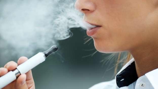 Điều tra 3 vụ việc về thuốc lá điện tử có thể liên quan tới bệnh phổi