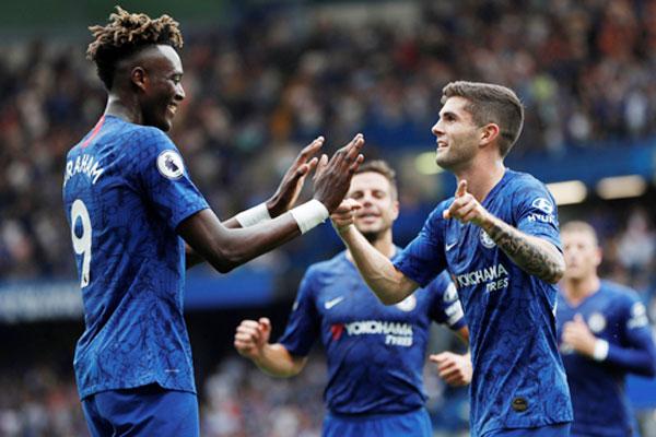 Trước vòng 30 Premier League: Cờ về tay Chelsea