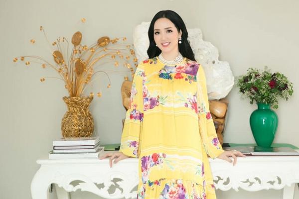 Hoa hậu Đền Hùng Giáng My khoe sắc xuân rạng rỡ