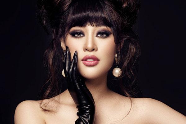 Khánh Vân biến hóa từ công chúa thành nữ hoàng quyền lực