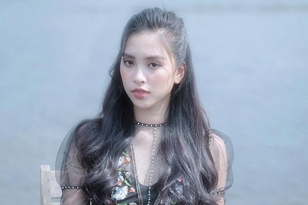 Vẻ ngọt ngào của Hoa hậu Tiểu Vy sau nửa năm đăng quang