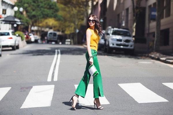 Jolie Nguyễn xuống phố với loạt hàng hiệu sang chảnh