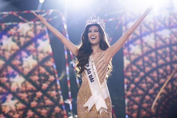 Loạt ảnh nóng bỏng của tân Hoa hậu Hoàn vũ Việt Nam 2019