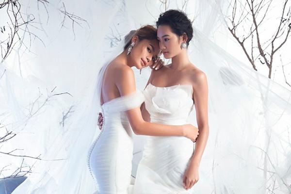 Á quân The Face Quỳnh Anh và Thu Hiền chụp ảnh cưới không chú rể