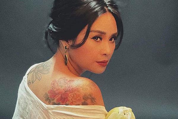 Diva Thanh Lam khoe hình xăm quyến rũ