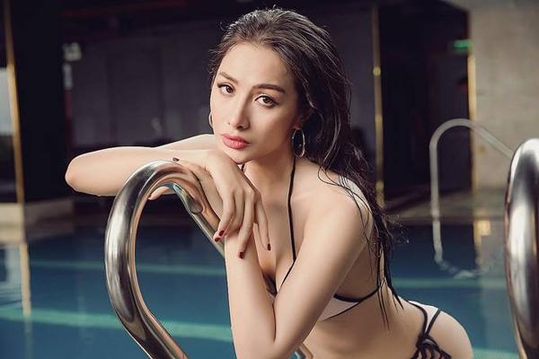 Yaya Trương Nhi kết hợp nhiều môn thể thao để giữ eo thon, ngực nở