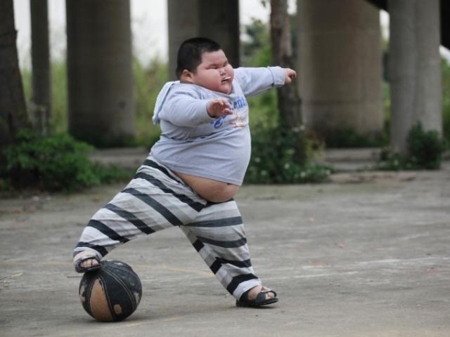 Trẻ béo phì có nguy cơ viêm khớp cao hơn khi trưởng thành