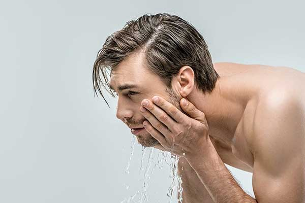 Hướng dẫn cách chăm sóc da mặt cho nam giới