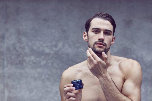 Chăm sóc da bị khô và nứt nẻ vào mùa đông cho nam giới