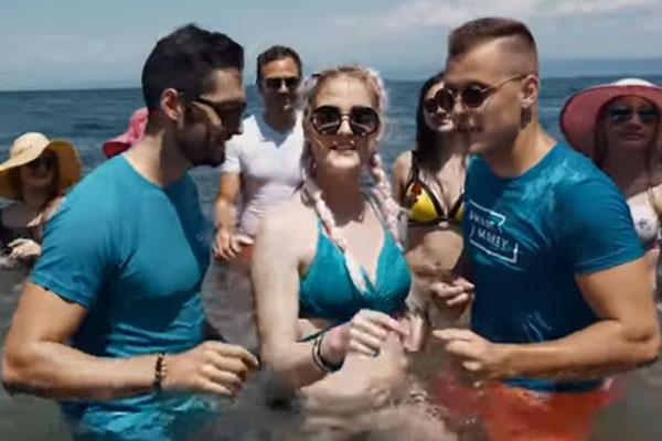 Hit 2019 - Sexy bikini