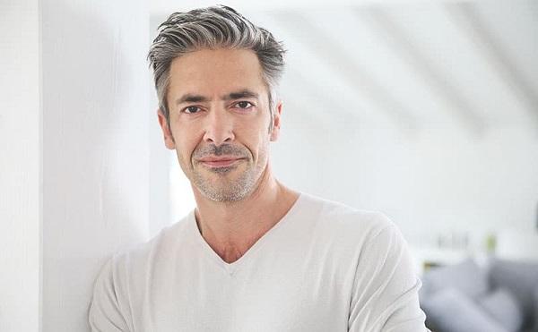 Cách trị tóc bạc, nỗi trăn trở của các quý ông